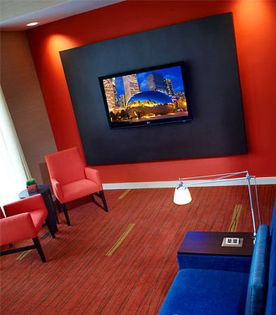 Oakbrook Terrace, IL: TV Lounge