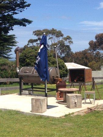 Aireys Inlet, Australia: BBQ area
