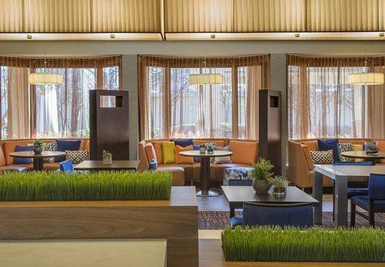 Southfield, MI: Bistro – Dining Area