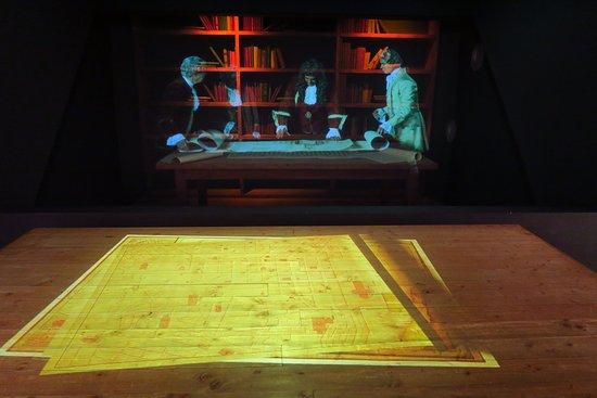 Lisboa Story Centre: Hologram showing Pombal discussing his plans for rebuilding Lisbon