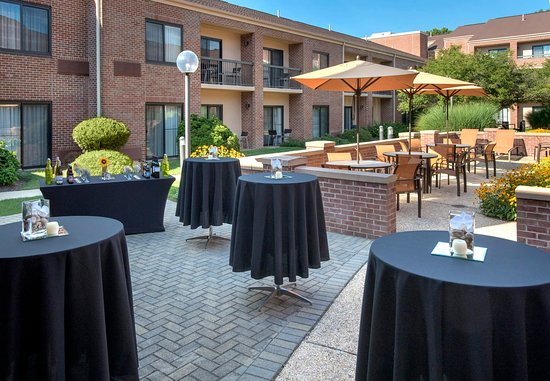 Norwood, MA: Courtyard - Social Event