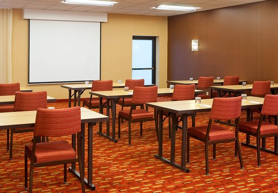 Norwood, MA: Meeting Room