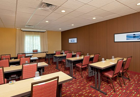 Elmhurst, IL: Meeting Space