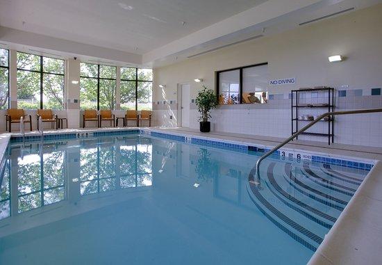 Farmingdale, État de New York : Indoor Pool