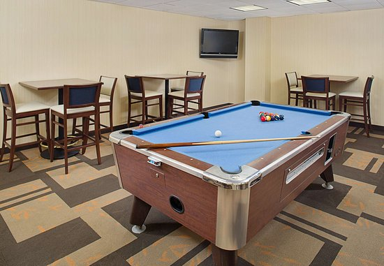 Montvale, NJ: Billiard Room