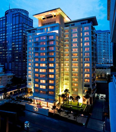 Courtyard by Marriott Bangkok: Exterior