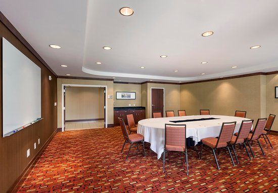 Junction City, KS: Milford Meeting Room