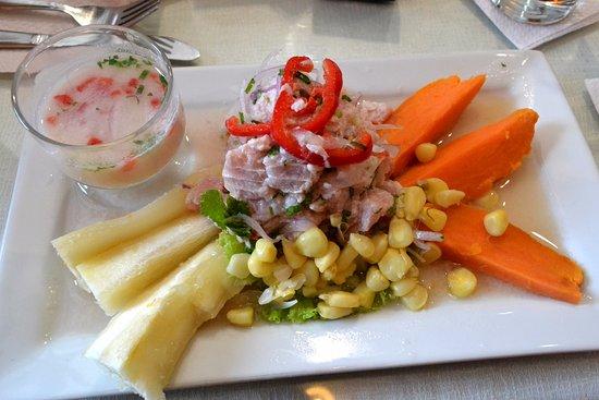 Trebol Cafe & Restaurant: ceviche mixto