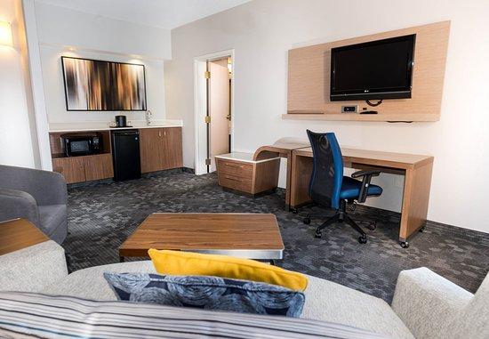 Round Rock, TX: King Suite