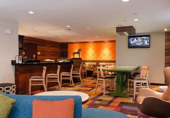 Hartsville, ساوث كارولينا: 4th Street Pub Dining Area