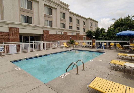 Hartsville, ساوث كارولينا: Outdoor Pool