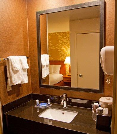 Salida, Калифорния: Guest Bathroom Vanity