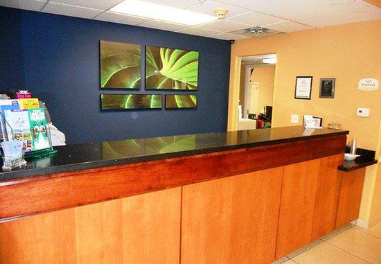 Loveland, CO: Front Desk