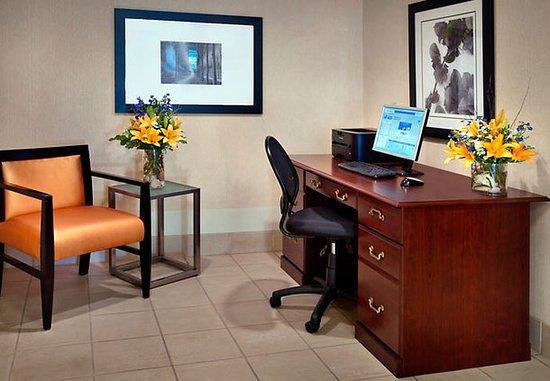 Woburn, MA: Business Center