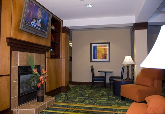 Anderson, SC: Lobby Sitting Area