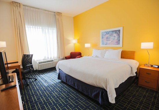 Berea, KY: King Guest Room