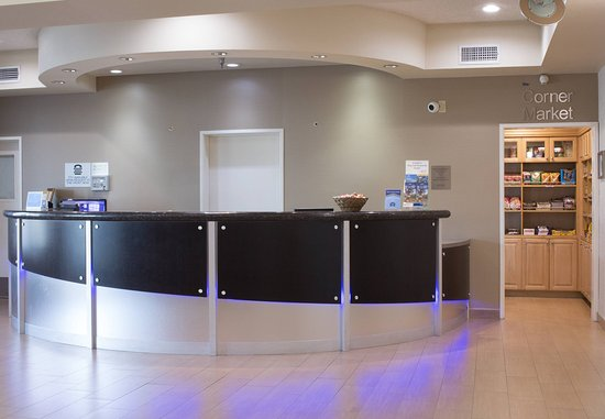 Hayward, CA: Front Desk