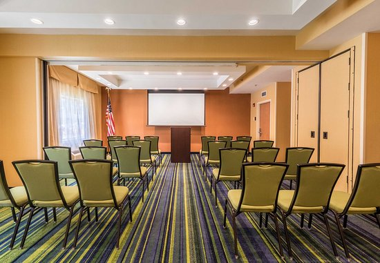 Fairfield Inn Asheville Airport: Biltmore Meeting Room - Theater Setup