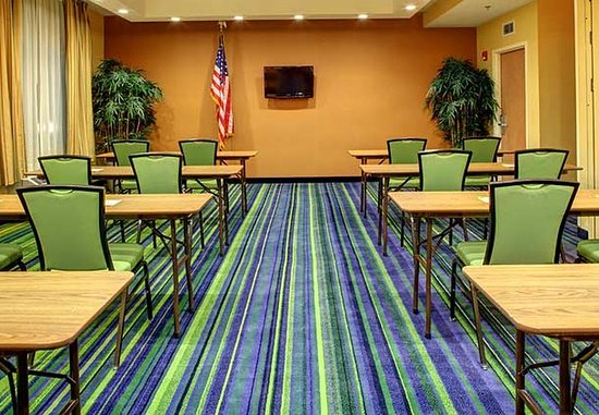 Fairfield Inn Asheville Airport: Biltmore Meeting Room - Classroom Setup
