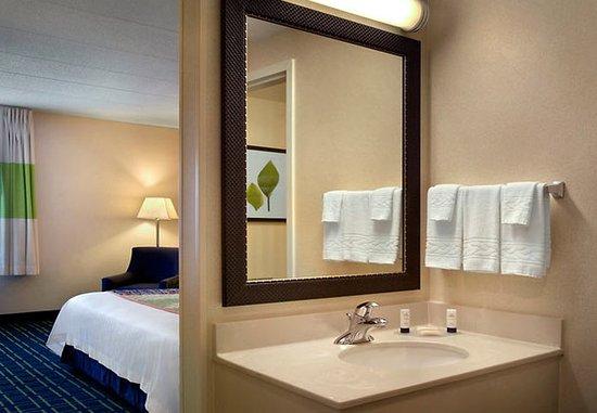 Williston, VT: Guest Bathroom