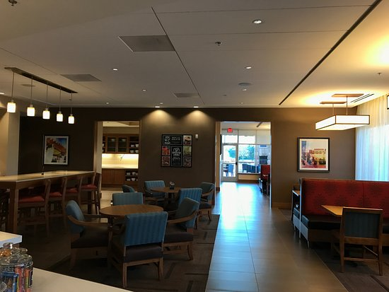 Euless, TX: The sitting area for breakfast and the snack bar area