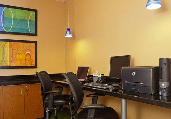 แชมเพน, อิลลินอยส์: Business Center