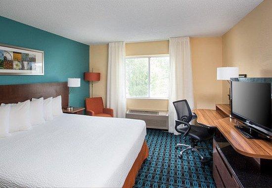 Terre Haute, IN: King Suite