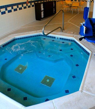 Yakima, WA: Indoor Whirlpool