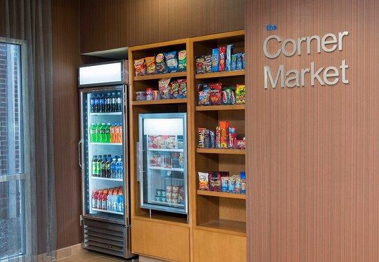 Okemos, MI: Corner Market