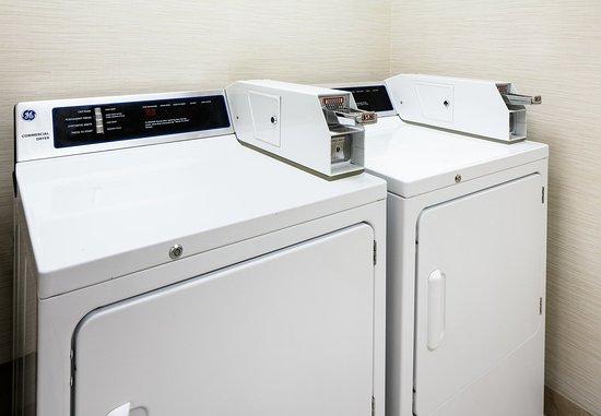 Olathe, Kansas: Guest Laundry