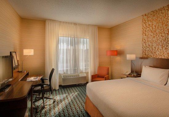 Dulles, VA: King Guest Room