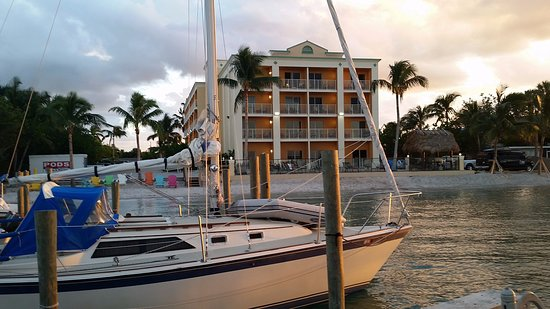 Hutchinson Island Plaza Hotel and Suites: View from Fishing Dock