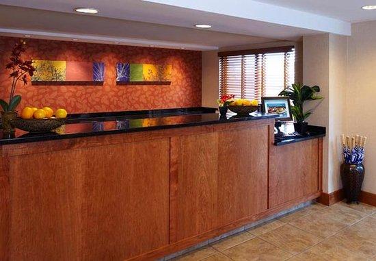 Fairfield Inn Corning Riverside: Front Desk