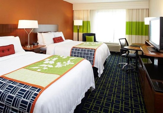 Fairfield Inn Corning Riverside: Double/Double Guest Room