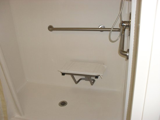 Pineville, Carolina del Nord: Accessible Shower