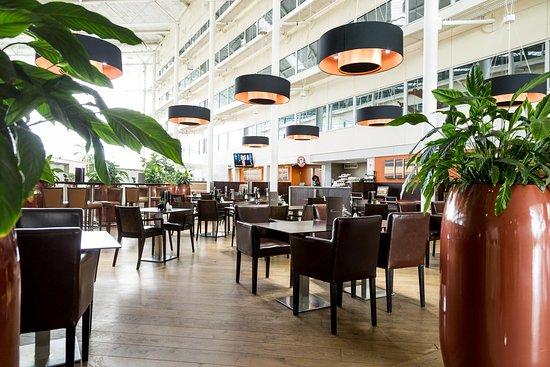 هيلتون لندن هيثرو إيربورت هوتل: Oscars restaurant
