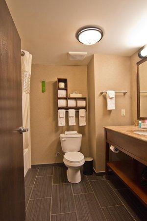 Grove City, OH : Bathroom