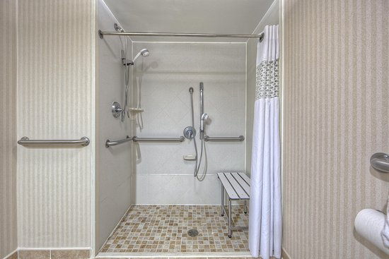 Athens, Geórgia: Accessible Shower