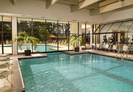 Dunwoody, GA: Indoor Pool
