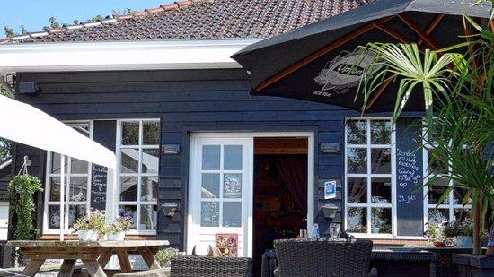Nijkerk, เนเธอร์แลนด์: Terras in de zomer