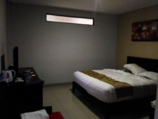 Gosyen Hotel: Kamar ruangan sya