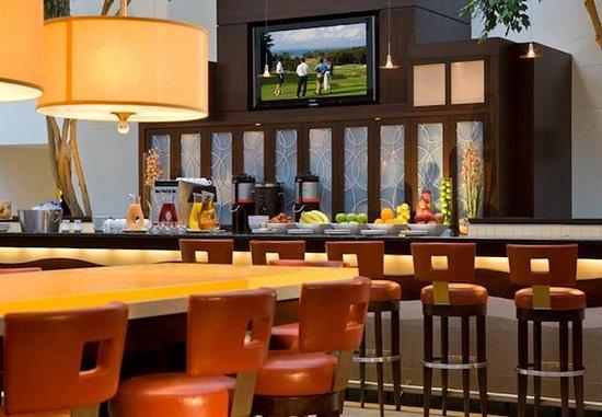 Uniondale, نيويورك: Skylight Lounge Bar