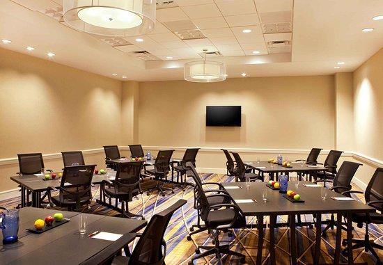 Burlington, MA: Inspire Meeting Room
