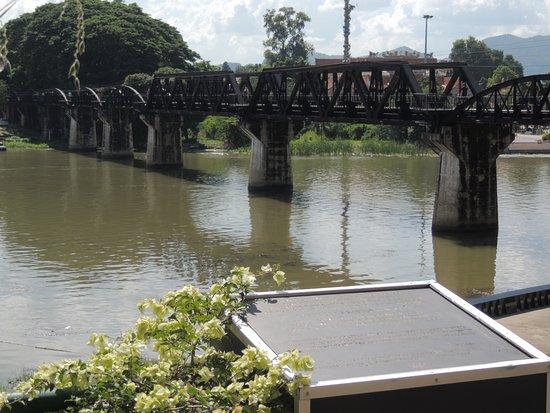 River Kwai: Le pont restauré façon métal.