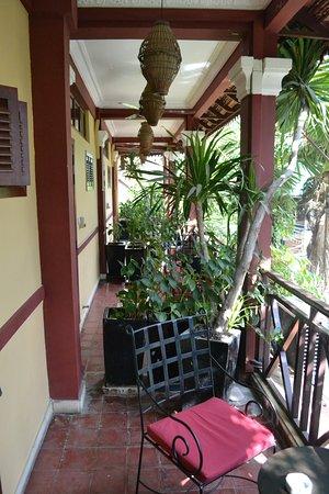 Khmer Surin Boutique Guesthouse: Balcone privato della camera