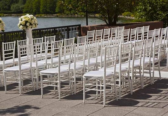 Gaithersburg, MD: Outdoor Wedding Ceremony