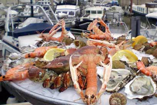 Larmor-Plage, Francia: Livraison de repas à bord de votre bateau !