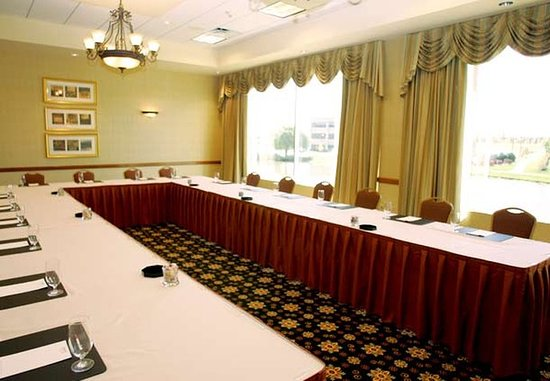 Burr Ridge, IL: Conference Room