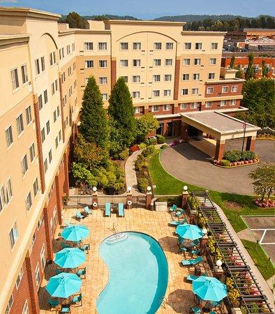 Редмонд, Вашингтон: Outdoor Pool