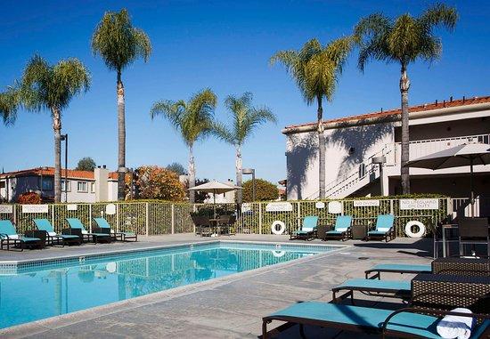 La Mirada, كاليفورنيا: Outdoor Pool & Spa